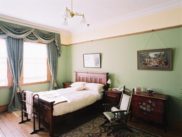 victorian-room